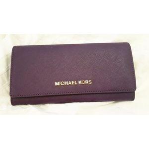 NWT Michael Kors Purple Leather Jet Set Wallet